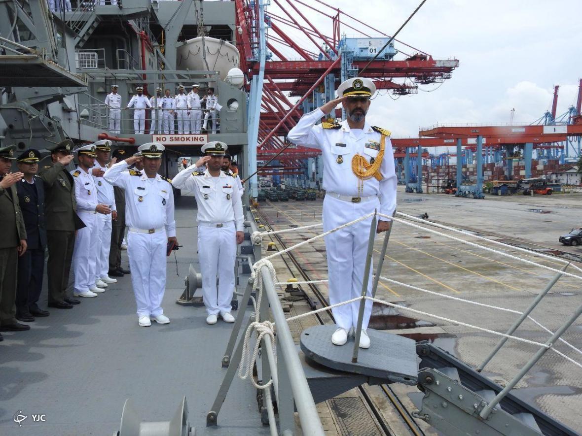 ناوگروه شصت و ششم نیروی دریایی ارتش در بندر جاکارتا پهلو گرفت