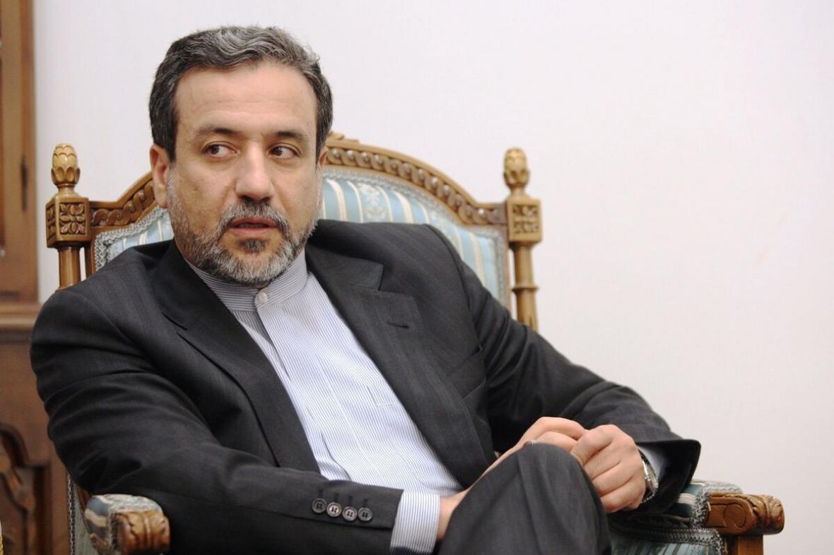 خبرنگاران گفت وگوی تلفنی عراقچی با همتای خود در جمهوری آذربایجان