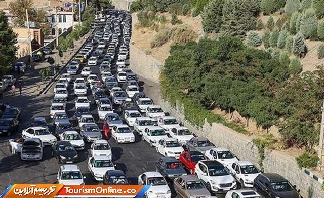 ترافیک در جاده هراز و آزادراه کرج- تهران سنگین است