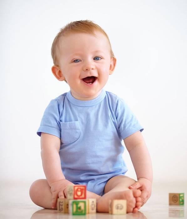 نشستن کودک و مسئله ای که شاید توجه نمیکنید